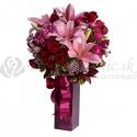 Luxusná kytica z ružových ľalií a červených ruží