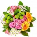Ružové ruže a gerbery